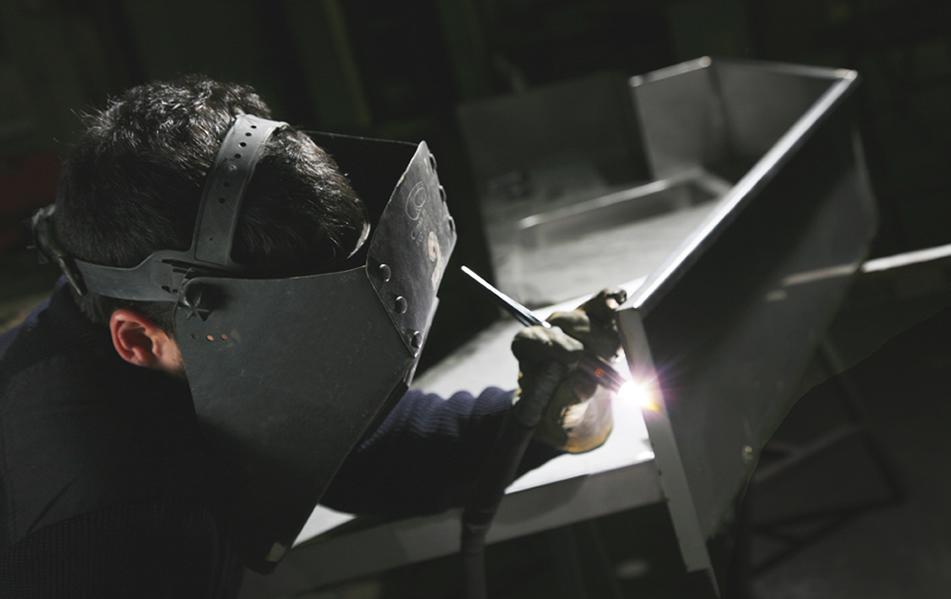 Cianco cuenta con un equipo técnico cualificado y la más moderna maquinaria para la transformación del acero