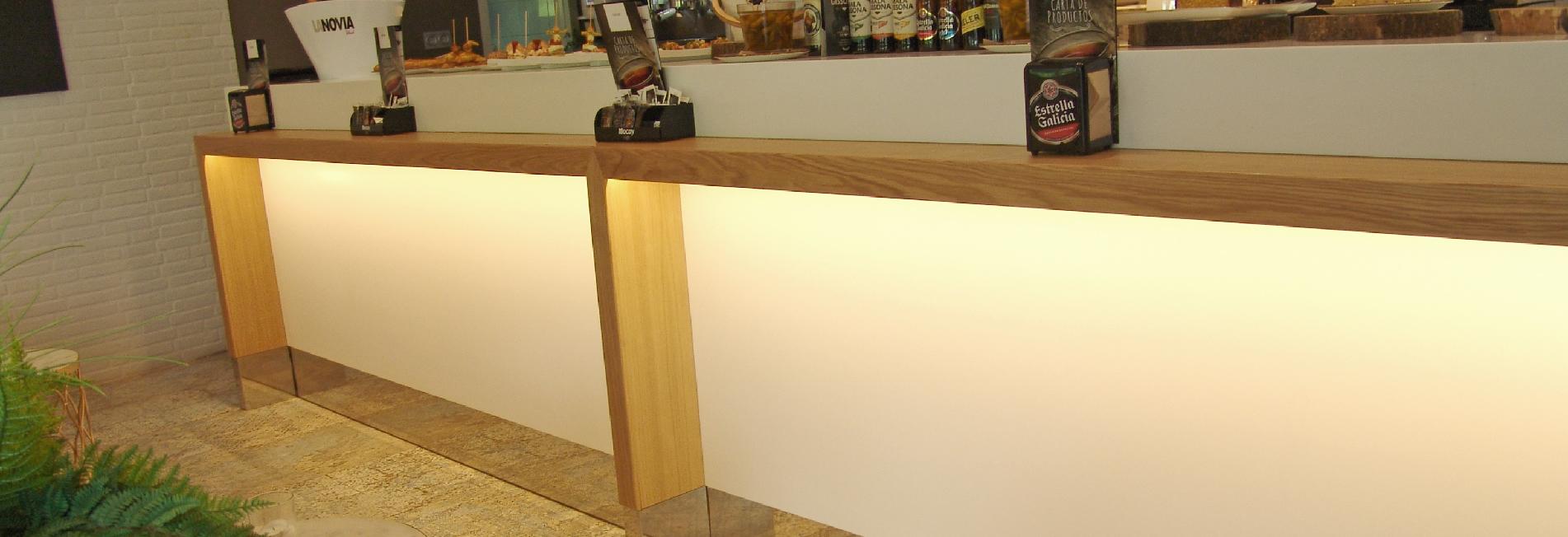 Cianco trabajó junto al decorador e interiorista Alfonso Moreno Salomé en la reforma y decoración de la Cafetería Asador Tximistarri en Donostia - San Sebastián