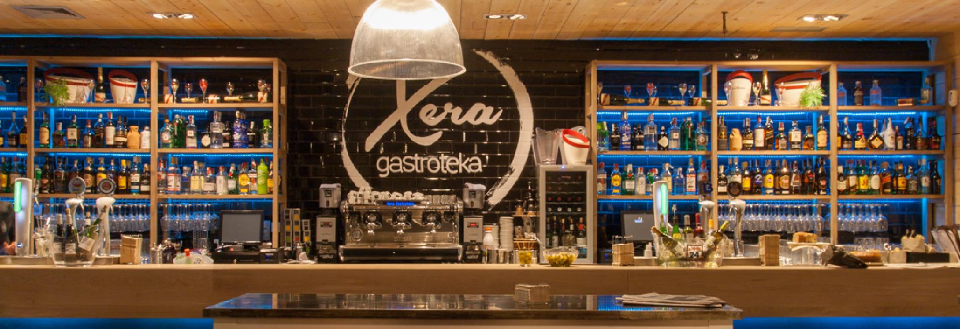 Cianco ha fabricado en hierro y vidrio la decoración interior del bar, cafetería, restaurante Xera Gastroteka
